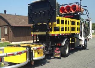 Şoförsüz kamyon yol yapımında kullanılacak