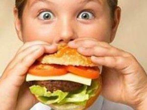 Obezite kronik hastalıklara davetiye çıkarıyor