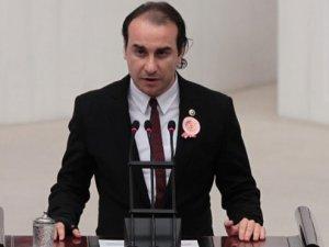 Kardeş Türkeş'ten ağabey Türkeş'e gönderme