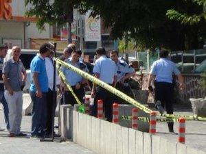 Karakol önünde bomba paniği