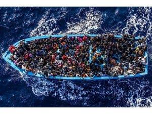 Suriyeli göçmenlerin botu battı: 11 ölü