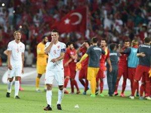 A Milli Takımımız'a Euro 2016 play-off'u için 4 puan yetiyor