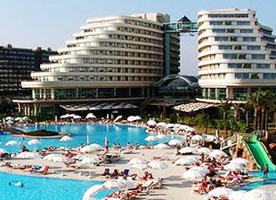 Antalya'ya gelen turist sayısı yüzde 6 düştü