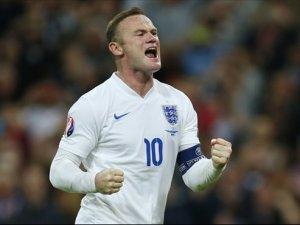 Wayne Rooney tarih yazdı