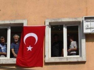 'Bayrak ortak vatanımızın simgesidir'