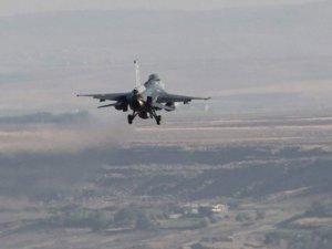 Kuzey Irak'a dev operasyon: 60 terörist öldürüldü