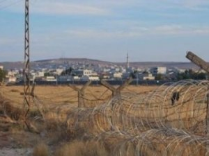 Suriye sınırında IŞİD ve muhalifler arasında çatışma