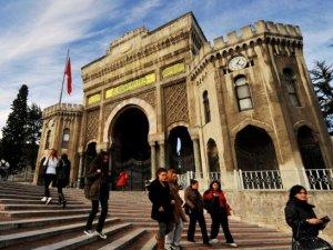 İstanbul Üniversitesi afiş yasağıyla açıldı