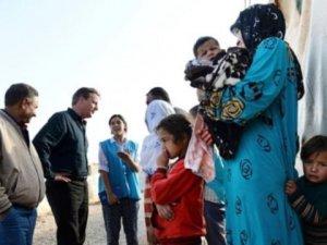 David Cameron mülteci kampını ziyaret etti