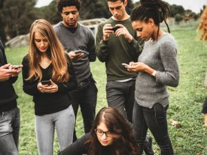 Sosyal medya değersizleştiriyor