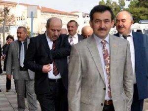 AKP'li meclis üyesi öldürüldü