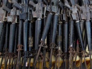 Hizbullah Zabadani'de çok sayıda İsrail yapımı silah ele geçirdi