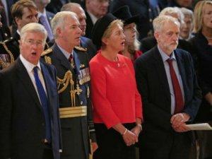 İşçi Partisi lideri Corbyn'e 'milli marşı okumadı' eleştirileri