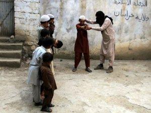 IŞİD'e bağlı Afganlar okul kapattı, on binlerce çocuk okulsuz kaldı