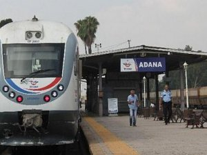 Adana Tren Garı'nda şüpheli paket