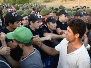 Başbakan Davutoğlu sığınmacıların temsilcileriyle görüşecek