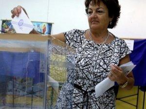 Yunanistan halkı sandık başında