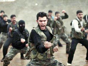 """""""Türkiye'de eğitilen 75 kişi Suriye'ye geçti"""""""