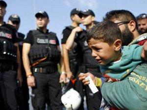 Avrupa'ya gitmek isteyen Suriyelilere müdahale