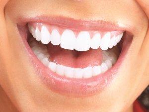 Bayramda diş sağlığını koruyan besinler tüketin