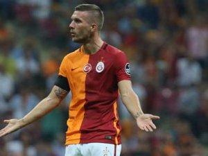 Podolski kararını Hamzaoğlu'na bildirdi
