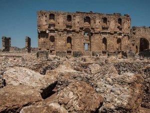 Aspendos'ta Apollon kalıntısı
