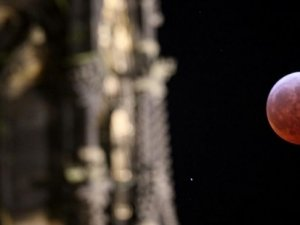 4 soruda Süper Ay tutulması