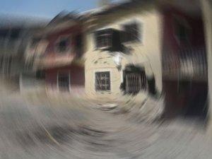 Beytüşşebap'ta eve havan topu mermisi isabet etti: 3 ölü