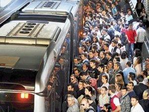 İstanbul'da toplu taşıma pazartesi günü ücretsiz