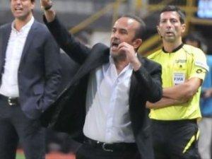 Mehmet Özdilek'ten hakeme eleştiri