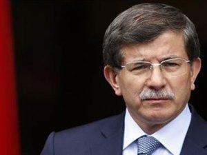 Başbakan Davutoğlu'ndan 'bayrak' eleştirilerine yanıt
