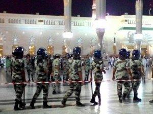 Suudi Arabistan'da İranlı hacılardan protesto