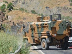 Yüksekova'da askeri araca saldırı
