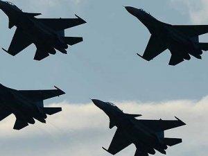 Rus jetleri Rakka'yı vurdu