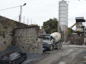 Haliç Tersanesi'ne kaçak beton santrali