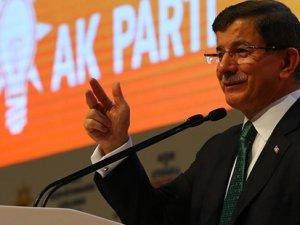 Davutoğlu'ndan adaylara: Seçmene lüks arabayla gitmeyin