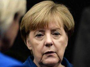Merkel: Türkiye'nin AB üyeliğine karşıyım
