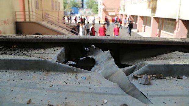 PKK'lı teröristler okula bomba attı