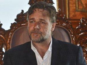 Russell Crowe: Türkiye için çok üzgünüm