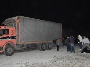 Otoparka terkedilen TIR'dan 200 Suriyeli çıktı