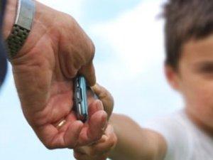 Akıllı telefon bağımlılığı: Kullanma yaşı 8'in altına indi