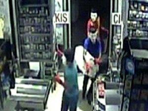 Maskeli market hırsızları kamerada