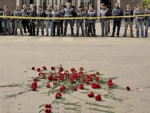 Ankara'da katliamın yaşandığı meydana 'Demokrasi Meydanı' adı verildi