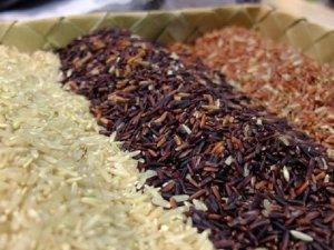 Kırmızı ve siyah pirinç tüketin