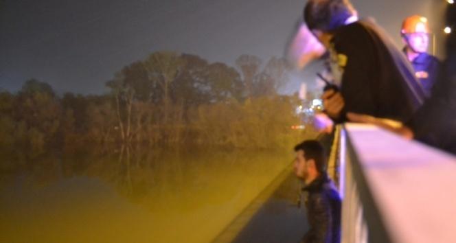 Eşiyle tartıştı, köprüye çıktı