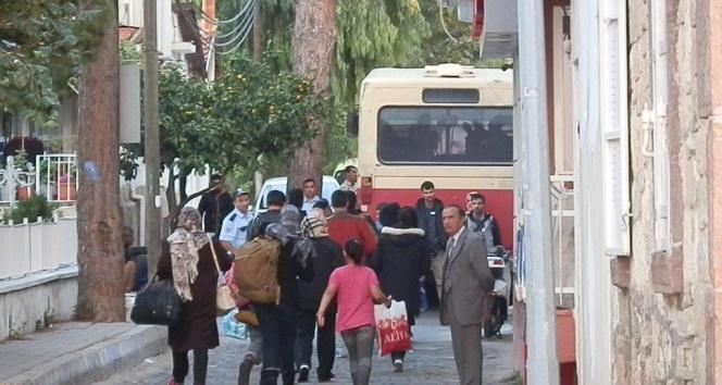 Foça'da 88 kaçak göçmen yakalandı