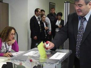 Washington'daki Türk vatandaşları sandıklara gidiyor