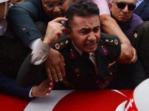 Yarbay Mehmet Alkan'a uyarı cezası verildi