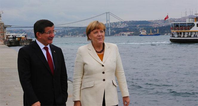 Merkel'in İstanbul ziyareti Alman basınında