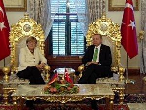 Almanya hükümetinden Ak Saray açıklaması